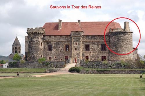 Château de St Saturnin.jpg