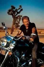 Johnny à moto.jpg