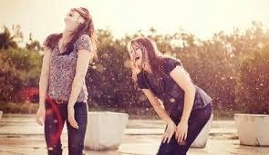 Rire deux filles.jpg